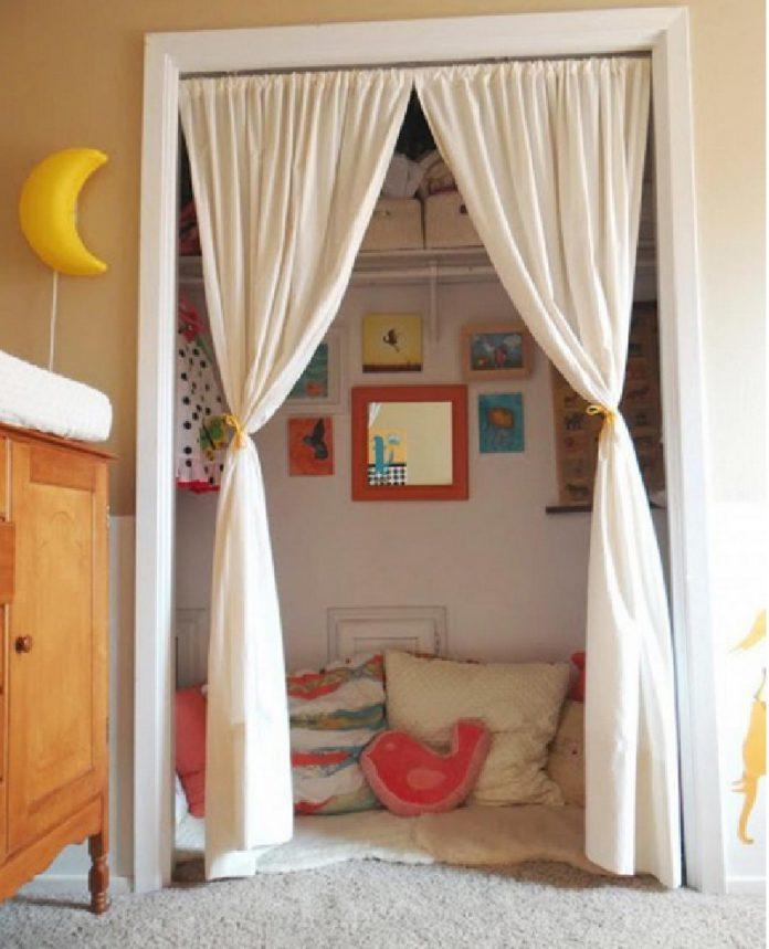 10 merveilleuses id es pour am nager un coin de lecture dans la chambre de vos enfants. Black Bedroom Furniture Sets. Home Design Ideas