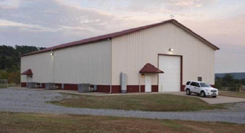Ce b timent qui ressemble un hangar est une maison dont l int rieur vous laissera sans voix - Hangar maison ...
