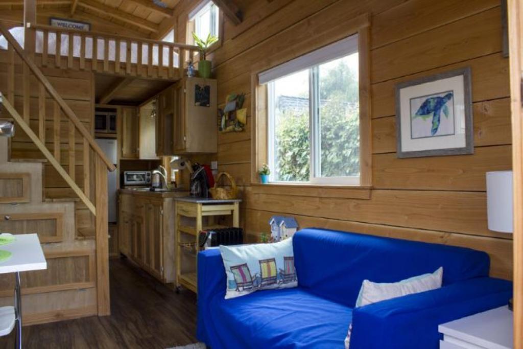 Cette mini-maison sur roue de seulement 200 pi² est surprenante ...