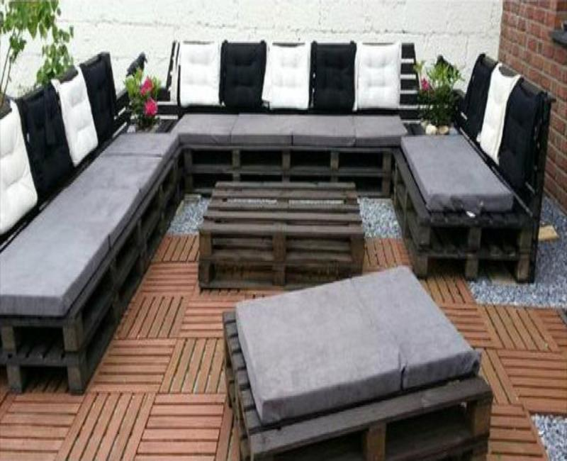 10 modèles de canapé à fabriquer avec des palettes de bois! Aménagez ...