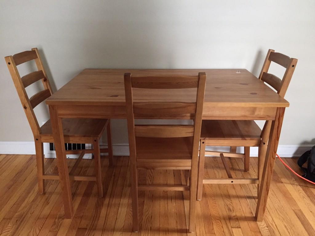 meuble et vous meuble et vous meubles et vous ici elle a choisi un beau bleu fonc. Black Bedroom Furniture Sets. Home Design Ideas