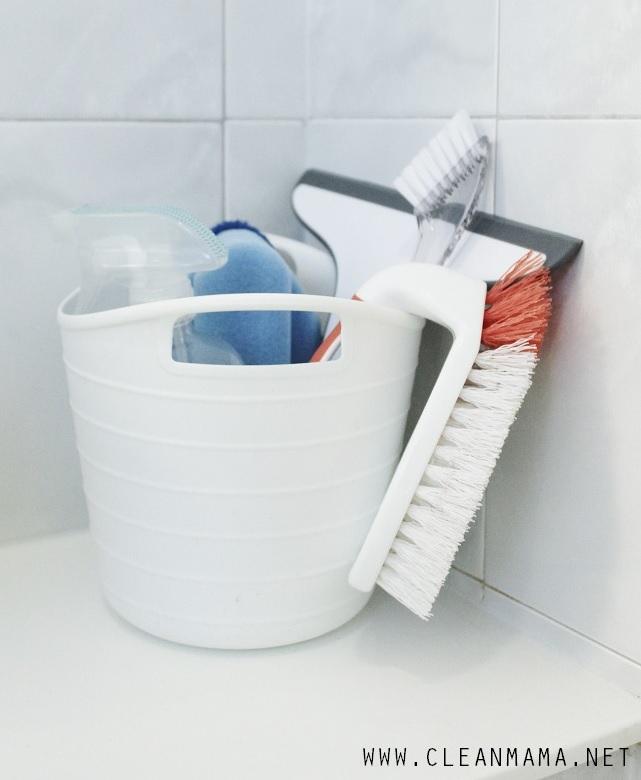 Comment laver votre salle de bain en profondeur et la for Mr propre salle de bain