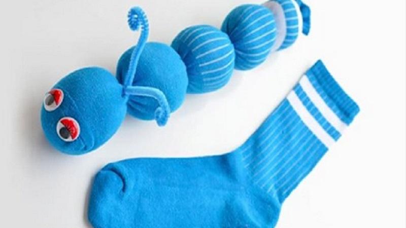Comment Faire Des Chenilles Avec Des Chaussettes Un Bricolage Facile Et Sans Couture