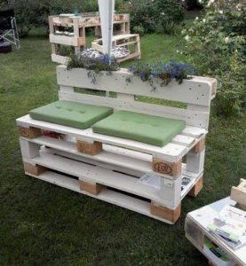 18 meubles faire soi m me partir de palettes de bois - Fabriquer une jardiniere en bois de palette ...